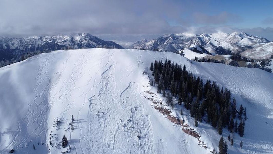 <b>Figure 3:</b> Aerial image of the slide path, the left-most crown is the human triggered avalanche. The right-most crown was explosive triggered. (<a href=javascript:void(0); onClick=win=window.open('https://caic-production.imgix.net/0vlnffdmuhu55affoyalhdn99fen?ixlib=php-3.1.0&s=796dd0bec1c72e688bece42e5a163bef','caic_media','resizable=1,height=820,width=840,scrollbars=yes');win.focus();return false;>see full sized image</a>)