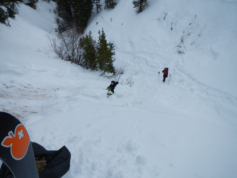 <b>Figure 3:</b> Looking down the path from the right flank of the avalanche. (<a href=javascript:void(0); onClick=win=window.open('https://caic-production.imgix.net/1761w7vldrwec736ktcaq23h9e4w?ixlib=php-3.1.0&s=8d73478bb90b192746fb50ae5aff0f83','caic_media','resizable=1,height=820,width=840,scrollbars=yes');win.focus();return false;>see full sized image</a>)