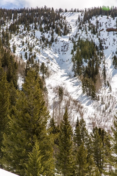 <b>Figure 1:</b> Image of the accident site take before the avalanche on Saturday, March 20, 2021 (<a href=javascript:void(0); onClick=win=window.open('https://caic-production.imgix.net/1n3tfst69ofl3gzzah150csyz6gk?ixlib=php-3.1.0&s=f9db86f569f6d07a15a03b840921b2d3','caic_media','resizable=1,height=820,width=840,scrollbars=yes');win.focus();return false;>see full sized image</a>)