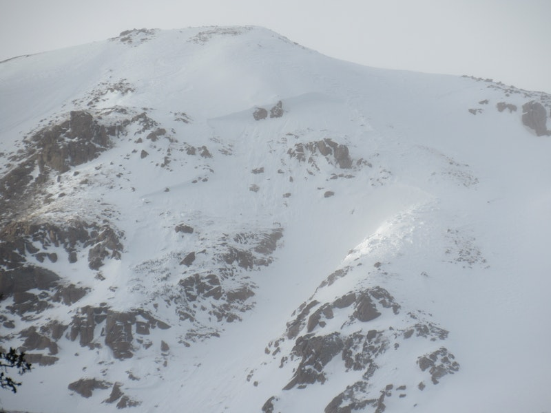 <b>Figure 1:</b> An avalanche on an above-treeline, southeast-facing slope that caught, partially buried and injured a skier north of Jones Pass on December 18, 2018. (<a href=javascript:void(0); onClick=win=window.open('https://caic-production.imgix.net/1txy8k19nepet1gebfe496jbocm2?ixlib=php-3.1.0&s=667b734484fa4565724fb4f9b5116560','caic_media','resizable=1,height=820,width=840,scrollbars=yes');win.focus();return false;>see full sized image</a>)