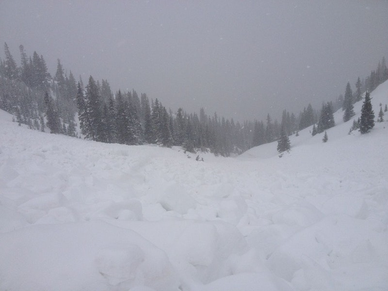 <b>Figure 4:</b> Looking towards the western flank of the avalanche, where it ran into and down the gully. (<a href=javascript:void(0); onClick=win=window.open('https://caic-production.imgix.net/2gcmher4um1k4sb6fwwuesqempv3?ixlib=php-3.1.0&s=0e518af7fbf56927757cd60cbe0f2521','caic_media','resizable=1,height=820,width=840,scrollbars=yes');win.focus();return false;>see full sized image</a>)