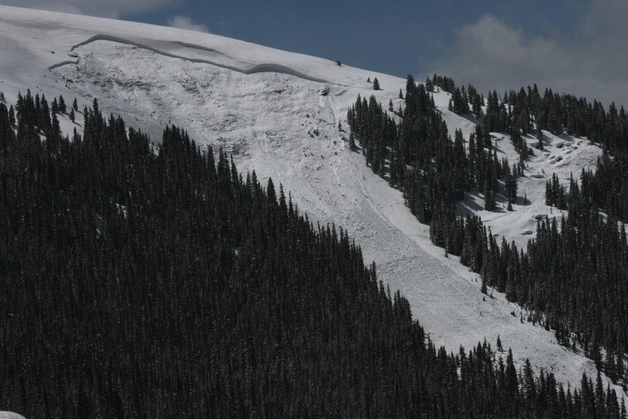 <b>Figure 16:</b> Large and fatal deep slab near Vail Pass on April 18th. The avalanche released on a north-facing, near-treeline slope and was triggered from low in start zone. Photo by Dale Atkins. (<a href=javascript:void(0); onClick=win=window.open('https://caic-production.imgix.net/37nt85smo25mjmvtpyq78tdrx2lh?ixlib=php-3.1.0&s=bc8067ca6683fb7d1babbdacee795be9','caic_media','resizable=1,height=820,width=840,scrollbars=yes');win.focus();return false;>see full sized image</a>)