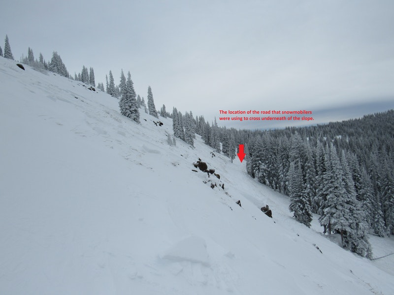 <b>Figure 3:</b> Looking across the slope where  snowmobilers triggered an avalanche on December 11th, 2016. (<a href=javascript:void(0); onClick=win=window.open('https://caic-production.imgix.net/7en5h47nu7q2tiviw5dv0dct86gy?ixlib=php-3.1.0&s=369d48a81d4be1bfcf019557394a08c1','caic_media','resizable=1,height=820,width=840,scrollbars=yes');win.focus();return false;>see full sized image</a>)