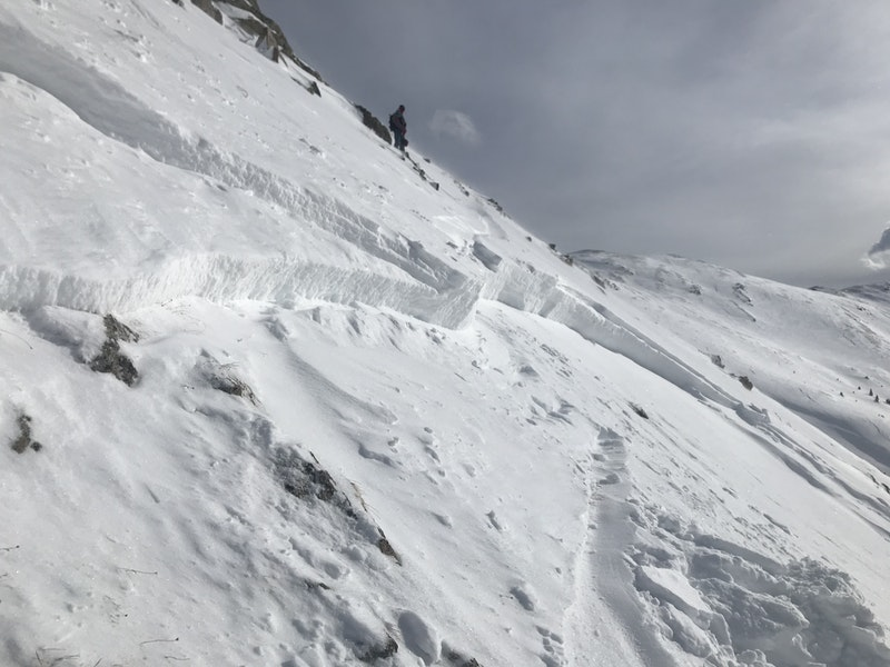 <b>Figure 4:</b> Rider 1 took this image of the avalanche crown looking back to Rider 2. (<a href=javascript:void(0); onClick=win=window.open('https://caic-production.imgix.net/92pb279d49iqs9lohh9zu9ak4m8a?ixlib=php-3.1.0&s=dc37b47c63bc56d0c0819a871289775d','caic_media','resizable=1,height=820,width=840,scrollbars=yes');win.focus();return false;>see full sized image</a>)