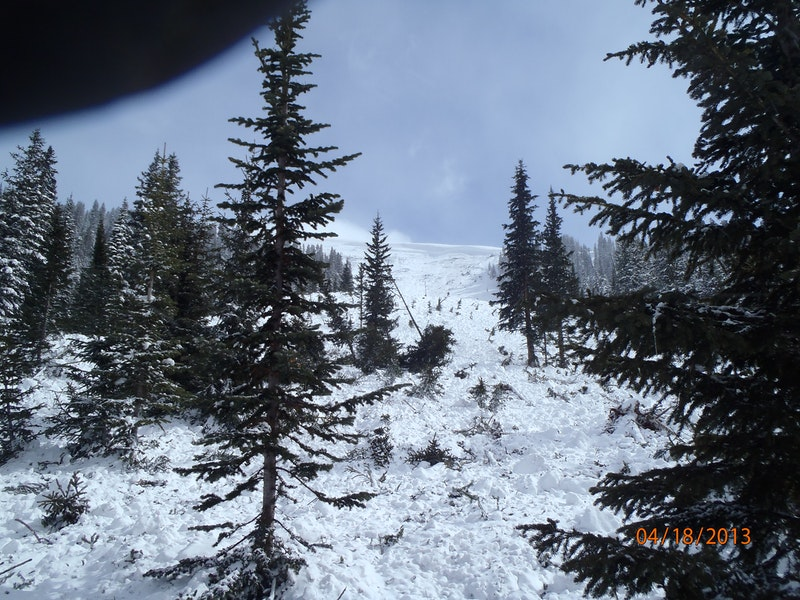 <b>Figure 1:</b> Looking up the track of the avalanche path at the debris and start zone. Image courtesy of Vail Mountain Rescue Group. (<a href=javascript:void(0); onClick=win=window.open('https://caic-production.imgix.net/9q0x3p48aq4rengehsi4inlmg4ia?ixlib=php-3.1.0&s=8768881c9bd84992f37748c985c1cb1d','caic_media','resizable=1,height=820,width=840,scrollbars=yes');win.focus();return false;>see full sized image</a>)