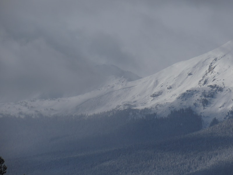 <b>Figure 1:</b> Very large recent avalanche on the south end of Mt Massive. Generally northeast-facing. Photo 12/16/19 (<a href=javascript:void(0); onClick=win=window.open('https://caic-production.imgix.net/gwpptw4h5yy1owpamz56vzjfyi0i?ixlib=php-3.1.0&s=8ad6616f1ff56855aa39096d4f377876','caic_media','resizable=1,height=820,width=840,scrollbars=yes');win.focus();return false;>see full sized image</a>)