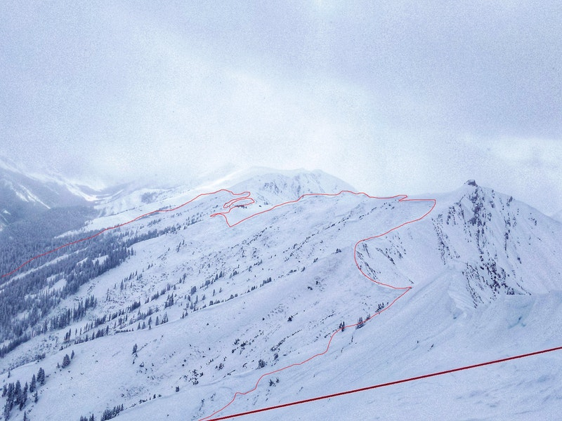 <b>Figure 1:</b> Historic-sized avalanche off Highlands Ridge. Avalanche broke over a mile wide and ran over 3000 vertical feet taking out large swaths of forest. March 9, 2019 (<a href=javascript:void(0); onClick=win=window.open('https://caic-production.imgix.net/l2hzyhlgfqzvmlj5ooc7gs1hnsrq?ixlib=php-3.1.0&s=dc9eb35a66b56c64ae451e9fe4a5b3e2','caic_media','resizable=1,height=820,width=840,scrollbars=yes');win.focus();return false;>see full sized image</a>)