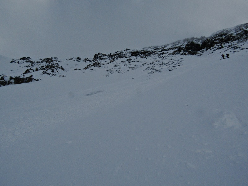 <b>Figure 1:</b> Mt. Baldy Northeast Face, Nov. 3, 2018.  Skier triggered D2, as seen from skier 1's perspective, just outside the skier's left flank.  Skier's 2 and 3 visible in upper right. (<a href=javascript:void(0); onClick=win=window.open('https://caic-production.imgix.net/ley49qrmw2ga1he5ec0f5o9ij8sq?ixlib=php-3.1.0&s=b2ec60edda89623dbb459acf32c3c15b','caic_media','resizable=1,height=820,width=840,scrollbars=yes');win.focus();return false;>see full sized image</a>)
