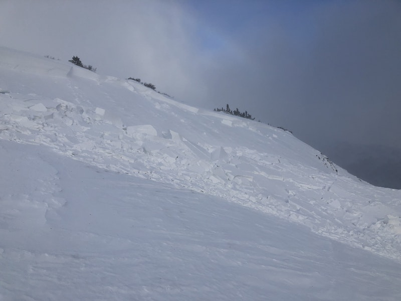 <b>Figure 6:</b> View of a skier-triggered avalanche on 11/2/18. Easterly terrain features received large amounts of wind-drifted snow as wind increased from the northwest on 10/31/18. (<a href=javascript:void(0); onClick=win=window.open('https://caic-production.imgix.net/mlc65j8pq27lv2d89a7g3pzeb5nq?ixlib=php-3.1.0&s=4506ad46af2eeaa5cffe87b0906aac2d','caic_media','resizable=1,height=820,width=840,scrollbars=yes');win.focus();return false;>see full sized image</a>)
