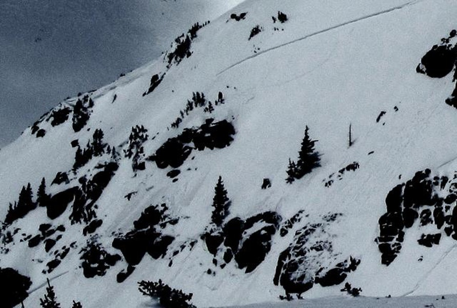 <b>Figure 1:</b> Southeast Russell - with two sympathetic slides.  Snowboarder triggered - we saw him skiing out after the slide.  Appeared to be a 1' crown.  R2-D2.  Happened around 10:30.  Top of slide was 12,100' - probably ran 400' vertical. (<a href=javascript:void(0); onClick=win=window.open('https://caic-production.imgix.net/nz1dxnaaj57ps8ad01gharx20r9h?ixlib=php-3.1.0&s=78b0a5e9b63d1616f825f8500ac0114d','caic_media','resizable=1,height=820,width=840,scrollbars=yes');win.focus();return false;>see full sized image</a>)