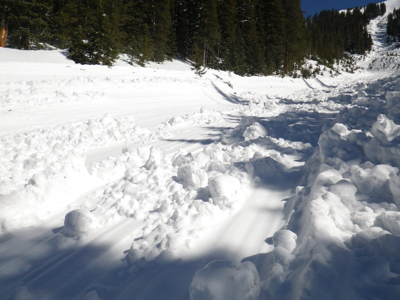 <b>Figure 9:</b> The bedsurface of the avalanche as it ran through the gully. (<a href=javascript:void(0); onClick=win=window.open('https://caic-production.imgix.net/pgrb96440gewu89vho0m40y9gxie?ixlib=php-3.1.0&s=fe3c5557131049b275a39c299f8fac76','caic_media','resizable=1,height=820,width=840,scrollbars=yes');win.focus();return false;>see full sized image</a>)