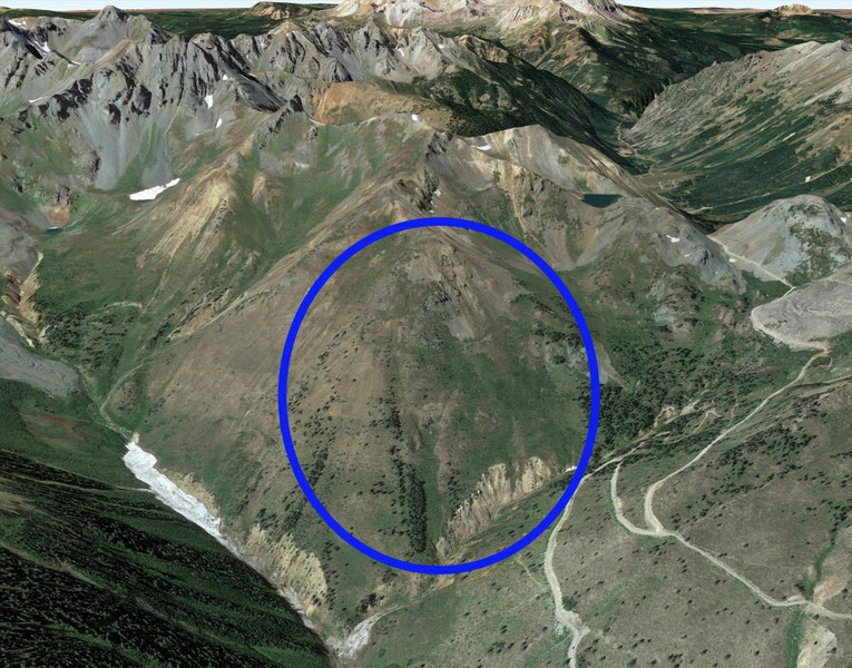 <b>Figure 3:</b> A Google Earth image of the avalanche accident area. The blue oval marks the approximate location of the avalanche. (<a href=javascript:void(0); onClick=win=window.open('https://caic-production.imgix.net/r8480m6ae4p64s5tzrp2m3qumqag?ixlib=php-3.1.0&s=b19934940f08d84e04006a86074974dd','caic_media','resizable=1,height=820,width=840,scrollbars=yes');win.focus();return false;>see full sized image</a>)