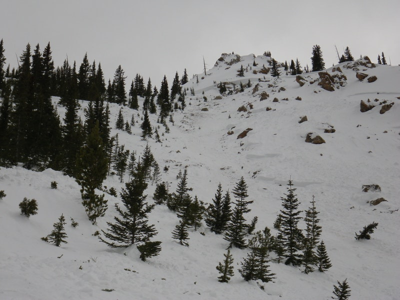 <b>Figure 13:</b> Looking to the south, uphill at the bed surface in the eastern portion of the Star Mountain A avalanche path. (<a href=javascript:void(0); onClick=win=window.open('https://caic-production.imgix.net/ragfjky6lf6qzmtabx91lvam44j8?ixlib=php-3.1.0&s=cc4b28734c05cacbaaeb5e0b45f8cee5','caic_media','resizable=1,height=820,width=840,scrollbars=yes');win.focus();return false;>see full sized image</a>)