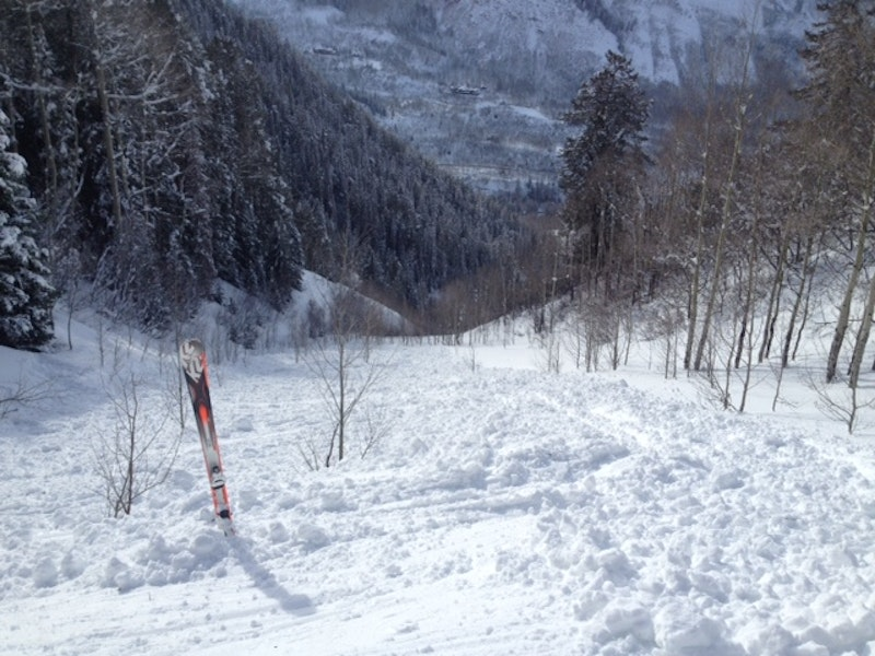 <b>Figure 2:</b> Looking down the avalanche path from below the start zone on February 23, 2015. Aspen Mountain Ski Patrol image. (<a href=javascript:void(0); onClick=win=window.open('https://caic-production.imgix.net/tqsiyuq83w03okipg95buswi08yb?ixlib=php-3.1.0&s=e0d5771159110215dbf6bda8f6fd2b96','caic_media','resizable=1,height=820,width=840,scrollbars=yes');win.focus();return false;>see full sized image</a>)