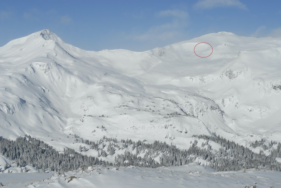 <b>Figure 4:</b> Looking across US 550 at the area around Senator Beck Mine. The red circle marks the area of the avalanche accident (Courtesy of CSAS, NASA Airborne Snow Observatory, and SnowEx). (<a href=javascript:void(0); onClick=win=window.open('https://caic-production.imgix.net/u0dih8sxygrxfgn4lhinlt6axmam?ixlib=php-3.1.0&s=bb8619b82602c6be6e836808ab53e7a3','caic_media','resizable=1,height=820,width=840,scrollbars=yes');win.focus();return false;>see full sized image</a>)