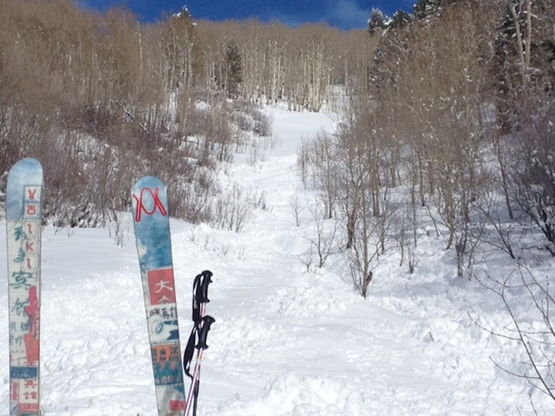 <b>Figure 1:</b> Looking up the avalanche path from near the burial site on February 23, 2015. Aspen Mountain Ski Patrol image. (<a href=javascript:void(0); onClick=win=window.open('https://caic-production.imgix.net/v4umbjkit0dhcesa3mfxw2kkqjou?ixlib=php-3.1.0&s=d414481f353d76dc2d0df4e3038db41a','caic_media','resizable=1,height=820,width=840,scrollbars=yes');win.focus();return false;>see full sized image</a>)
