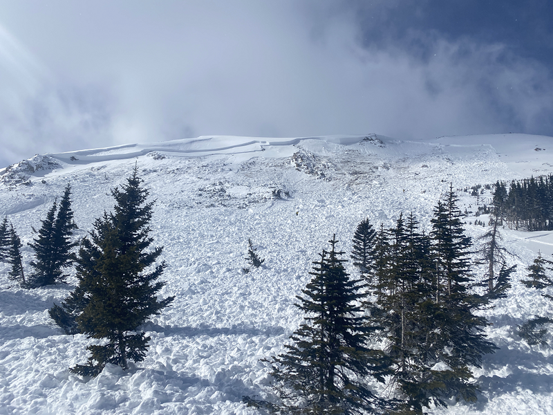 <b>Figure 5:</b> Looking up the avalanche from  Rider 2's burial site. (<a href=javascript:void(0); onClick=win=window.open('https://caic-production.imgix.net/wix7s6md532ofc5xorqe8ldf20pv?ixlib=php-3.1.0&s=2367e47f7fb37333d1a7155c4c243abb','caic_media','resizable=1,height=820,width=840,scrollbars=yes');win.focus();return false;>see full sized image</a>)