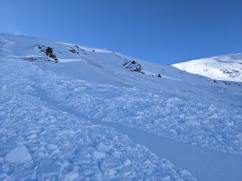 <b>Figure 5:</b> This is the smaller avalanche that ran sympathetically to the very large snowmobiler-triggered avalanche. (<a href=javascript:void(0); onClick=win=window.open('https://caic-production.imgix.net/wqubmy8eorewrdwr1ei4tz937fxy?ixlib=php-3.1.0&s=f78aeeb0439d394e2a4598efc6f6571f','caic_media','resizable=1,height=820,width=840,scrollbars=yes');win.focus();return false;>see full sized image</a>)