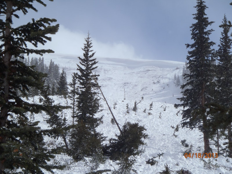 <b>Figure 5:</b> Looking up at the start zone and crown face of the avalanche. Image courtesy of Vail Mountain Rescue Group. (<a href=javascript:void(0); onClick=win=window.open('https://caic-production.imgix.net/x2i6qhcqzbvl25r6fehonvm13i4n?ixlib=php-3.1.0&s=4e85af664fd8a3b96601e6c1630f97b1','caic_media','resizable=1,height=820,width=840,scrollbars=yes');win.focus();return false;>see full sized image</a>)