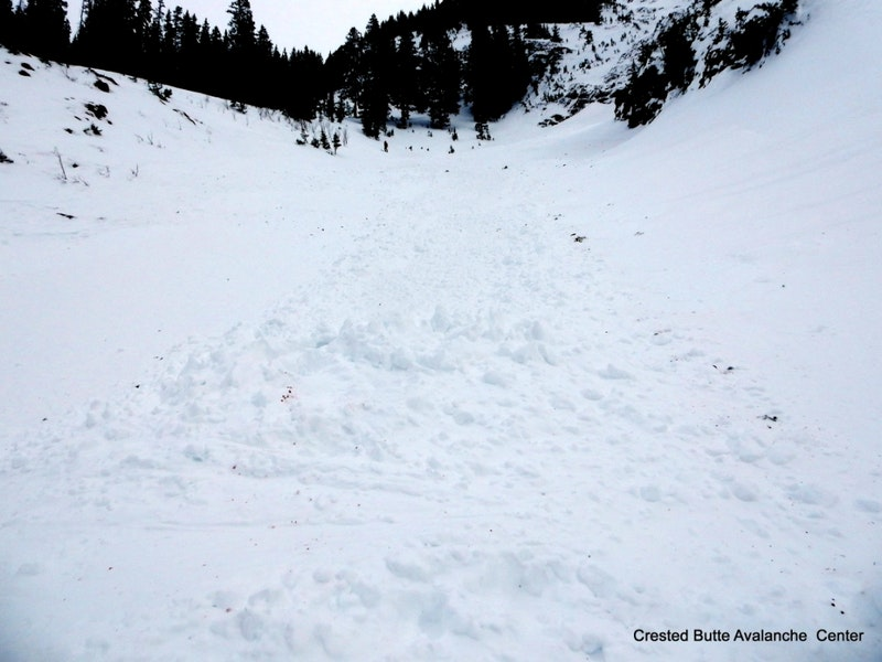 <b>Figure 7:</b> Skier 2 was deposited on top of about 3 feet of debris, a relatively small avalanche. (<a href=javascript:void(0); onClick=win=window.open('https://caic-production.imgix.net/xzu0w1l34zh2kqqsg5n2gnzd2ol1?ixlib=php-3.1.0&s=66f9d572f6a029ff57f9f56f6898e4aa','caic_media','resizable=1,height=820,width=840,scrollbars=yes');win.focus();return false;>see full sized image</a>)