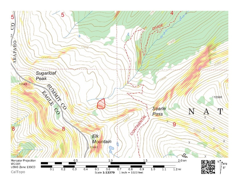 <b>Figure 1:</b> Topographic map of Searle Pass. The approximate boundaries of the avalanche are marked. (<a href=javascript:void(0); onClick=win=window.open('https://caic-production.imgix.net/zjpoys1t3u1rqrt8s3hd1zuhy8d7?ixlib=php-3.1.0&s=b5256bc43e39299491430c6349a93481','caic_media','resizable=1,height=820,width=840,scrollbars=yes');win.focus();return false;>see full sized image</a>)